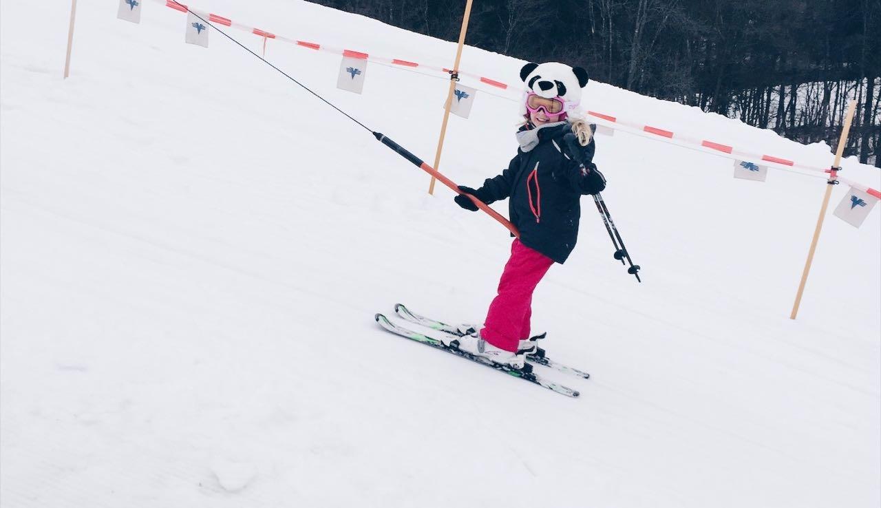 Ski fahren mit drei Kinder 444
