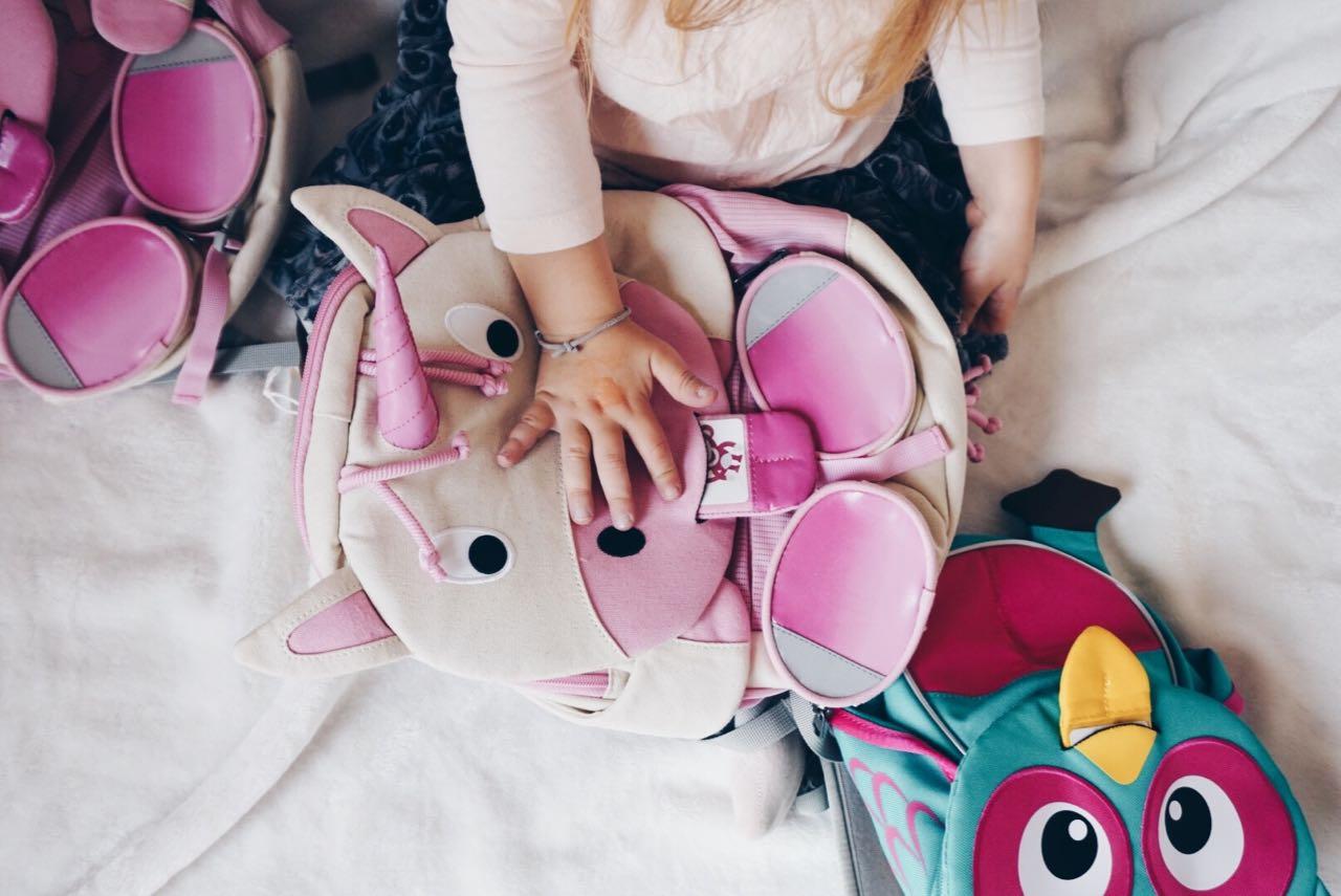 Pinke und türkise Kindergarten Tasche von Affenzahn Mamawahnsinnhochvier