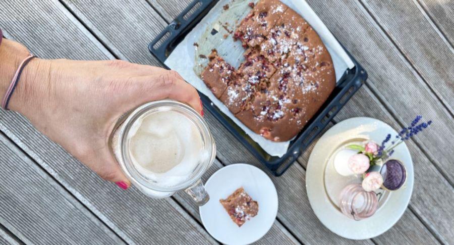 Schoko-Kirschkuchen aus Dinkelmehl und Traubenzucker