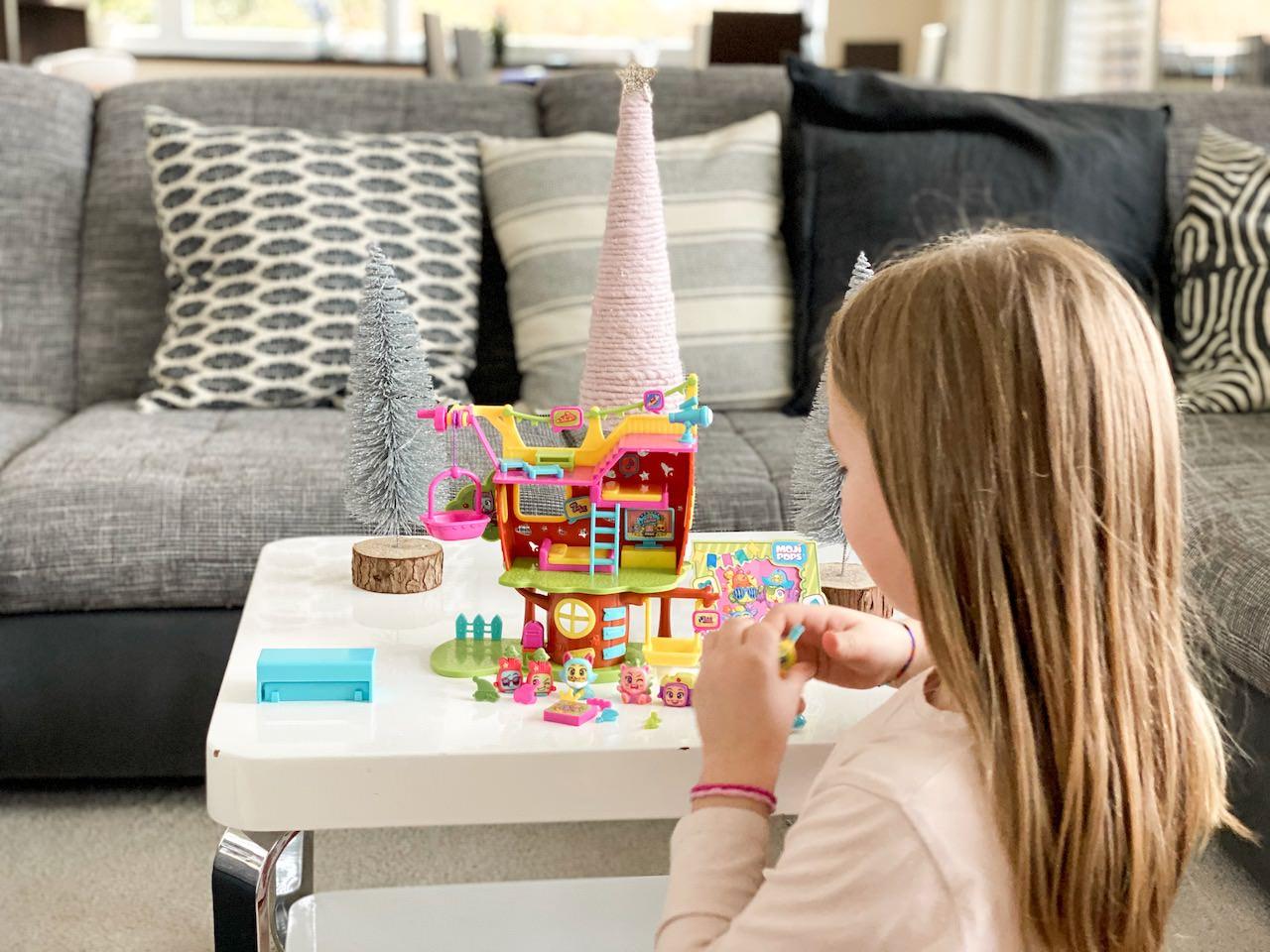 Die kleine Dame ist vollauf begeistert. Ein schöner Geschenktipp Weihnachten