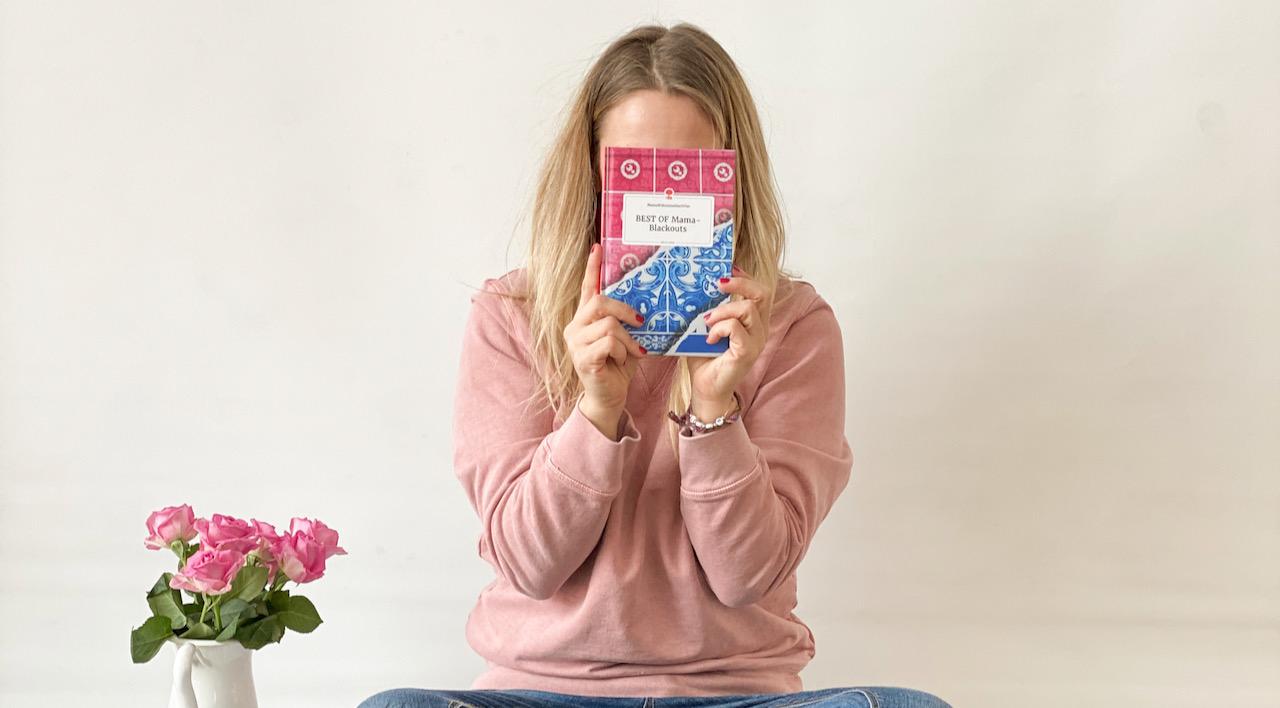 Homeoffice Regeln - Verena und ihr Buch, sie hat recherchiert und verrät, was die erfolgreiche Mama im Homeoffice beachtet