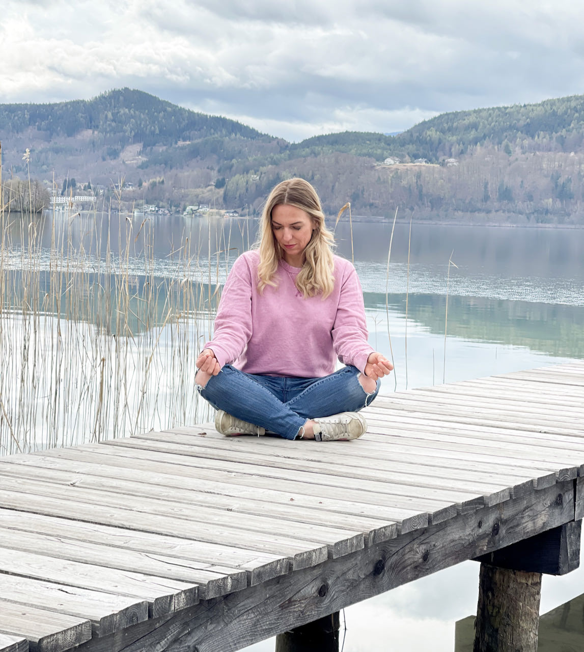 Meditierten für Anfänger oder Meditieren lernen, ich habe so viel darüber gehört und habe mir bei einer Expertin Tipps geholt.
