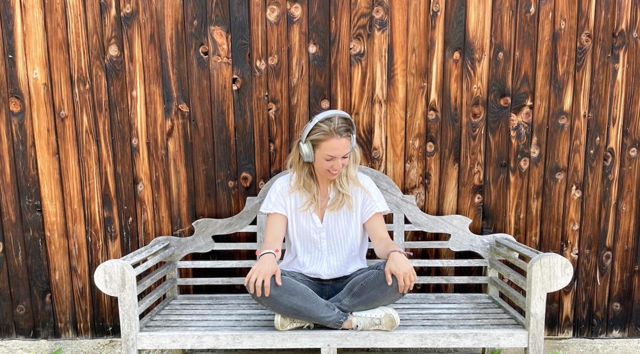 Gute Laune Musik im Mamaleben - es ist oft stressig und hektisch. Verena zählt auf gute Musik, die sie entschleunigt.