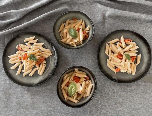 Schnelle Gerichte für Kinder: Tomaten Mozzarella Nudeln