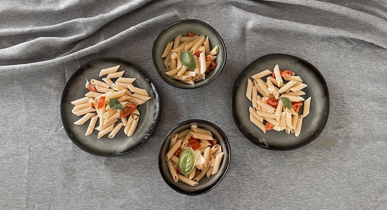 Schnelle Gerichte für Kinder - unsere Tomaten Mozzarella Nudeln sind der Hit!